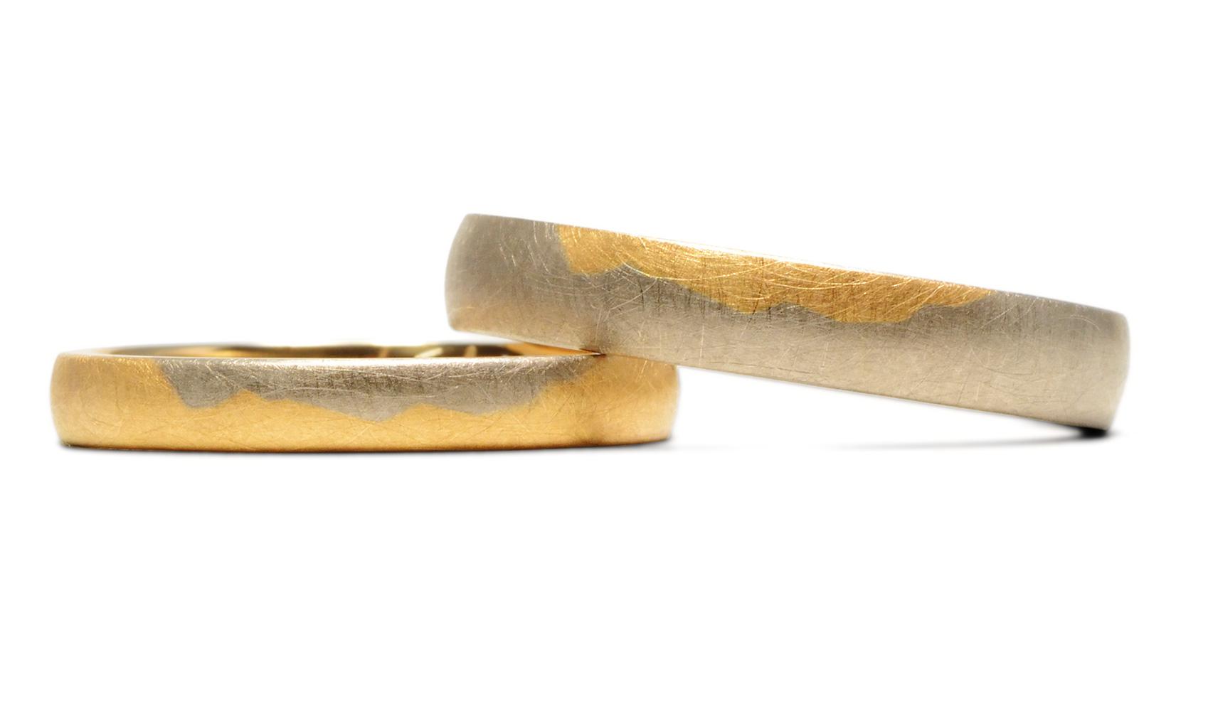 GOLDAFFAIRS - Zweifarbige Trauringe mal anders - Ringe aus Fair Trade Gold