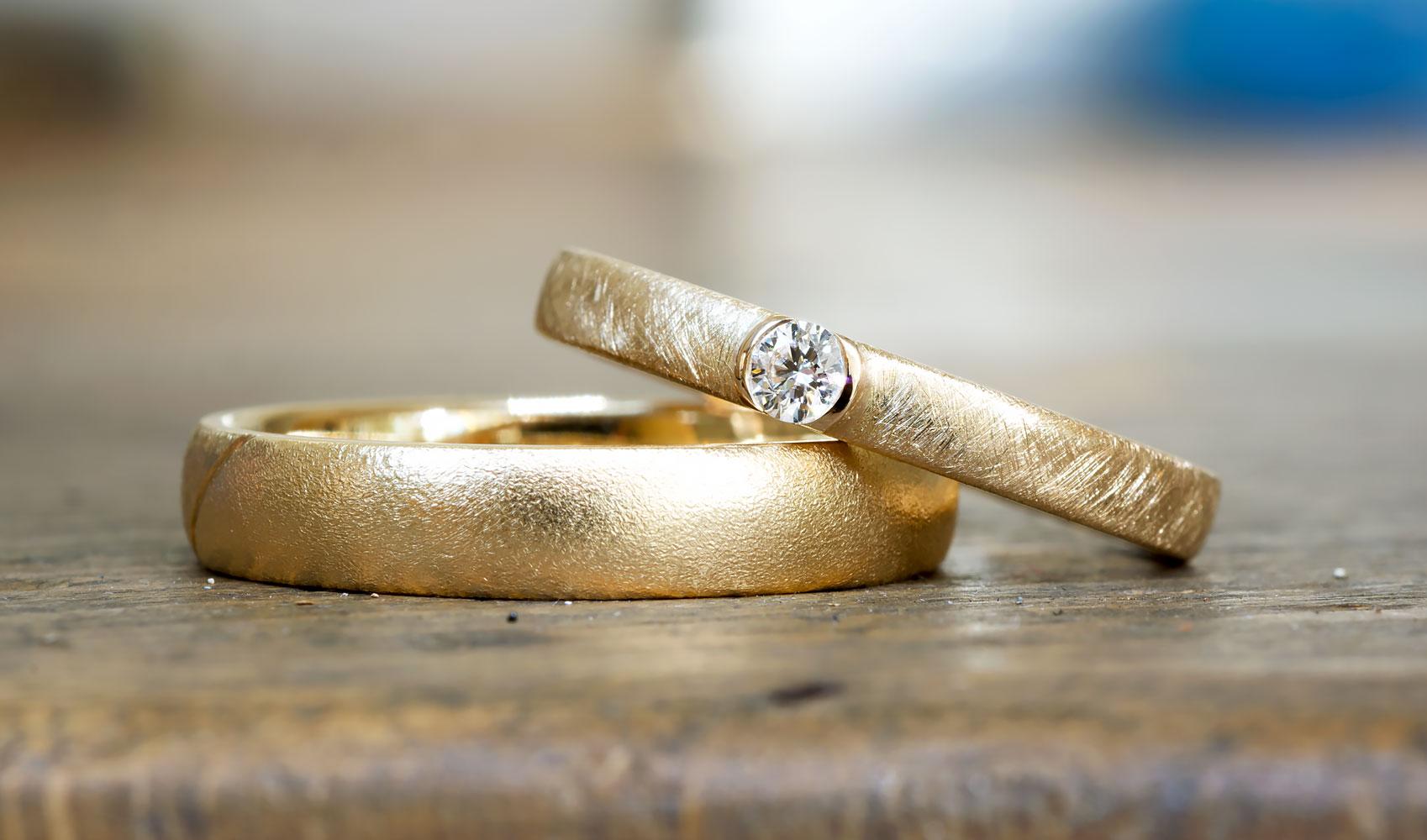 """Verlobungsring """"precious"""" aus ökofairem Waschgold"""