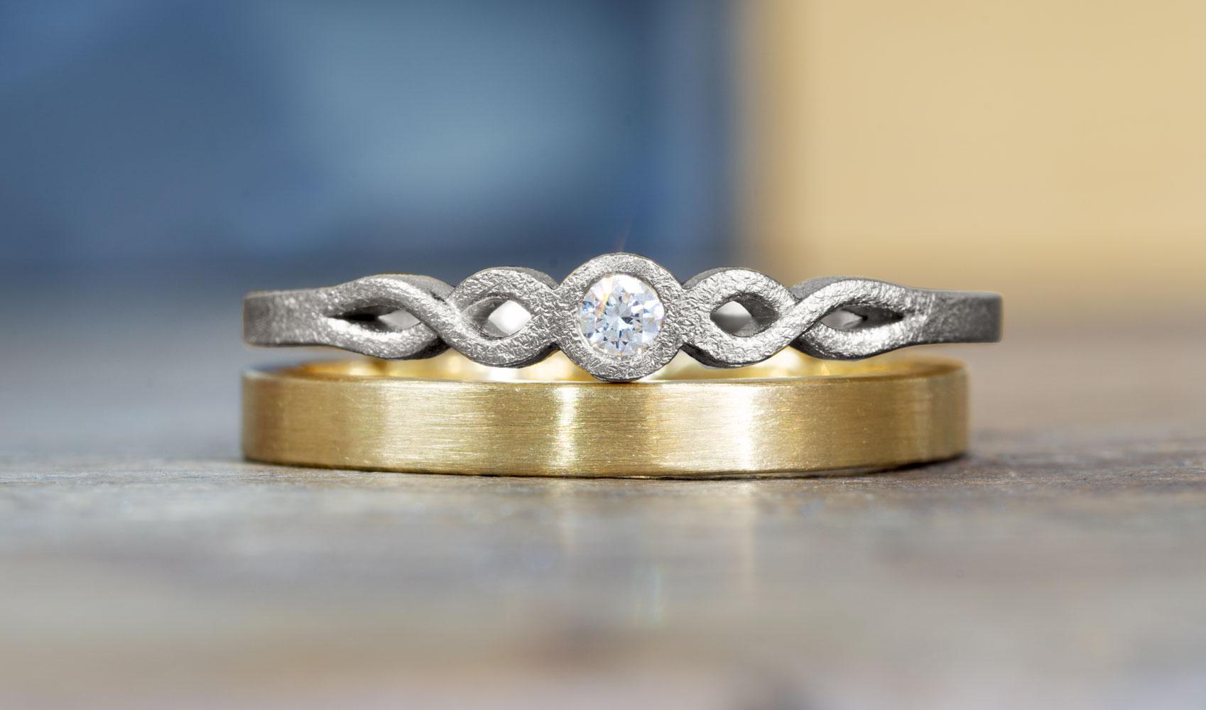 "GOLDAFFAIRS - Ring ""feli"" aus FAIRTRADE Weißgold mit Diamant"